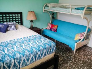 Midnight Family Room - Sleeps 5 - Playa Coronado
