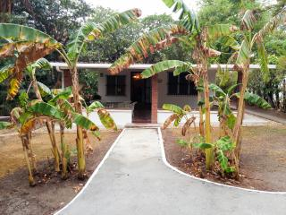 Banana House - House for Rent in Playa Coronado