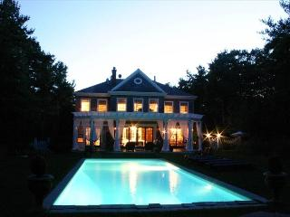 Live in Luxury in This English Manor Home., East Hampton