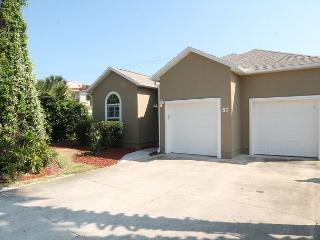 Surf Side, Pet Friendly, 3 Bedroom, 2 Bath Beach House, Garage, Flat Screens, Saint Augustine