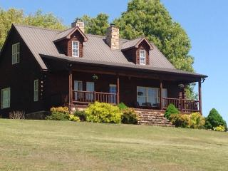 Large Log Home Minutes From Buffalo & Kings Rivers, Berryville