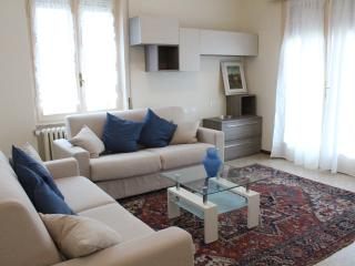ELEGANT & QUIET APARTMENT IN Salò: LAKE GARDA, San Felice del Benaco