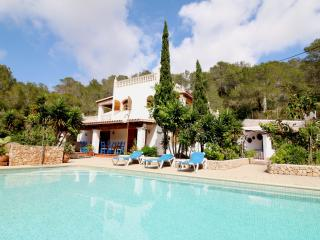 Villa Daisy | 4 Bedrooms | Large Private Pool, Port d'es Torrent