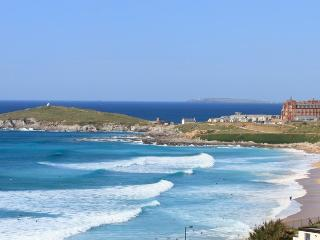 Penthouse overlooks Fistral Beach 3 Bed