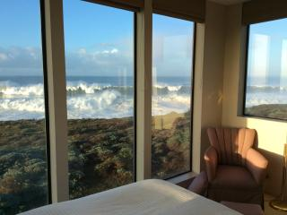 Panoramic Whitewater Oceanfront - sleeps eight.