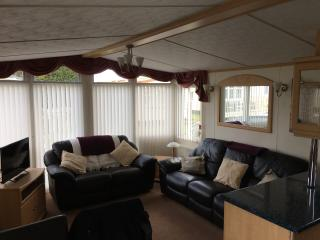 Spacious Caravan in Upmarket Park, Patrington Haven