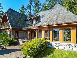 NEW LISTING - An Exquisite, Unique, & Romantic  Waterfront Chalet!