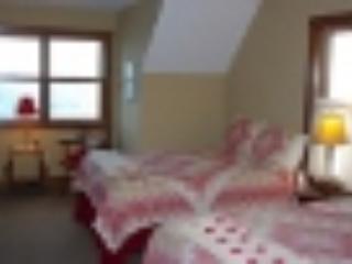 Norwegian 2 Queen Bedroom.