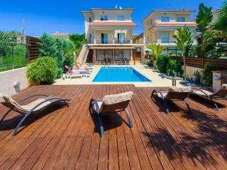 Beach Holiday 5 bed Villa 250m frm beach&ameneties