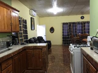 Liam's Guest House 2 bedroom and Vehicle Rentals