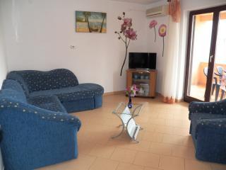 Apartment + studio in Stinjan up to 6p. -93/cd, Pula
