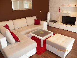 Apartment + studio in Valbandon up to 8p. -110/ab, Pula