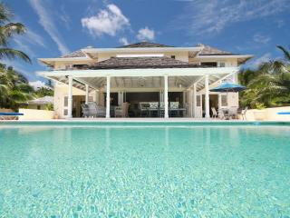 Paradise Plum - 4BD,Pool, Ocean views, full staff