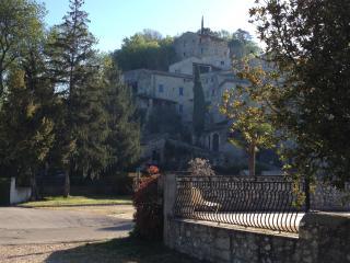 Steinhaus aus dem 14. Jahrhundert, Saint-Privat-de-Champclos