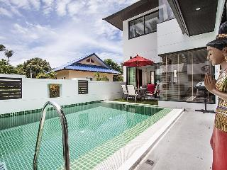 3-Bed Pool Villa 1km to Ban Tai Beach, Mae Nam