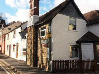 Thursday's Corner Cottage,Tudor,beams,log burner., Church Stretton