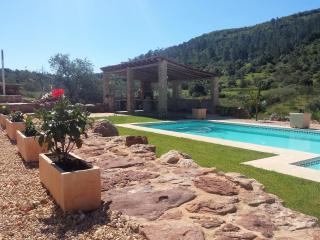 Casa Vale Vinagre + Pool and separate studio for rent in beautifull natural erea, Sao Bartolomeu de Messines
