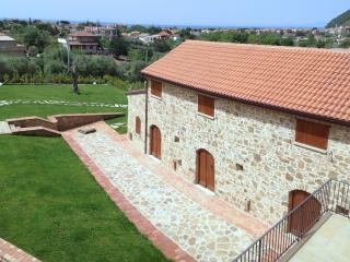 comfortable country house apartments near the sea, Santa Maria di Castellabate
