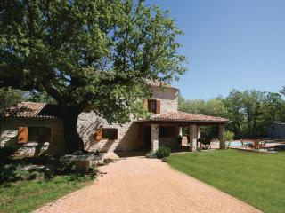 Traditional Istrian Villa with pool, Jursici