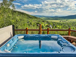 Yampa Vista: Views. Private Hot Tub. Discount Tix*