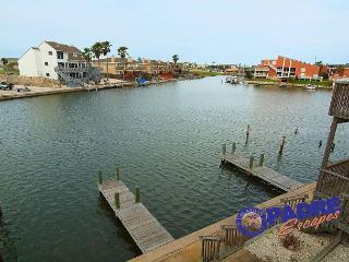 On the Water, sleeps 9 and close to Schlitterbahn entrance!, Corpus Christi