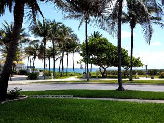 OCEANFRONT - Lux Home W/Pool-40 Footsteps to Beach, Deerfield Beach