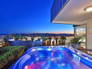 Sunny Garden Luxury Penthouse