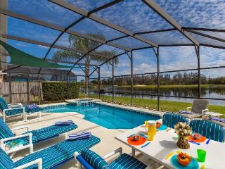 Luxury Lake Berkley 10min Disney gym-wifi-sat nav, Kissimmee