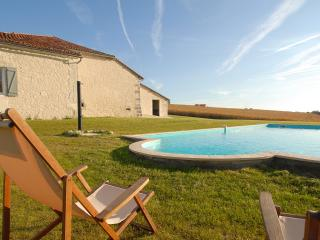 Villa avec piscine privee - 10 personnes