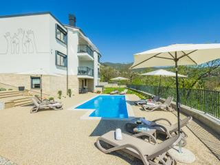 "Boutique Apartment ""Ivana"" w/pool and sea view, Opatija"