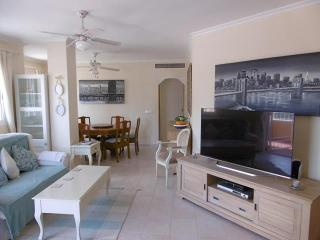 Albatros  ground floor apartment with shared pool, Los Alcazares