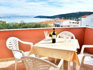 Silva A2-pool, beach, peaceful area, Trogir