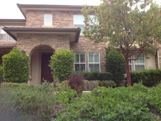 3bd, 2.5 bth, sleeps 6 close to attractions, San Diego