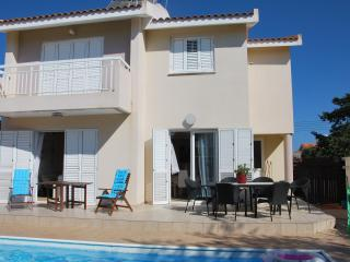 SUNNY Villa PROTARAS BEACH Reduced prices for May