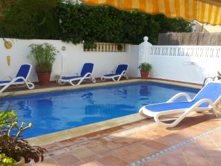 FANTASTIC SEMI DETACHED HOUSE IN GANDIA WITH  PRIVATE POOL IN  A QUIET AREA