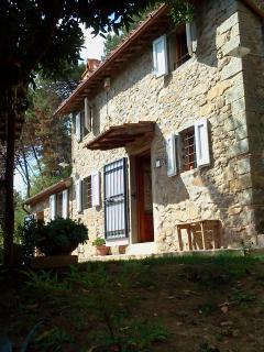 Antico casale in pietra