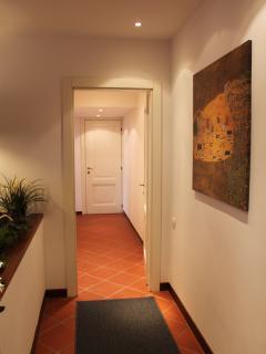 corridoio verso la camera da letto matrimoniale