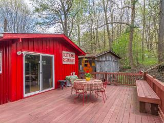 Cloudland Cottage of Roan Mountain for $115