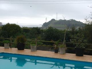 Sea View and Swimming-pool House, Ponta Delgada