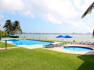 Isla Dorada, Sirenas 22, Cancún