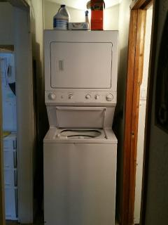 washer/dryer, with furnished detergent