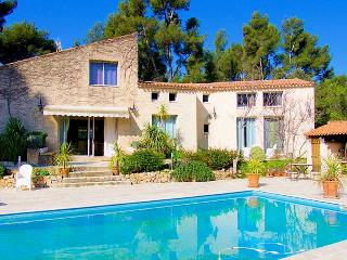 Aubagne Bouches-du-Rhone, Luxury Villa 11p. private pool & tennis court