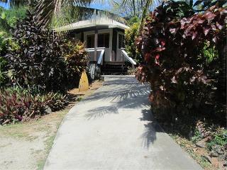 Kinloch Villa, Fiji - 2 B/room island bungalow, Malolo Lailai Island