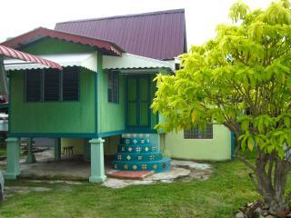 Homestay Murah Bandar Hilir Melaka: Teratak Habib