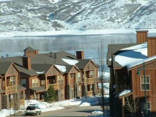 Beautiful Park City- Deer Crest Ski Condo with Mountain and Water Views!