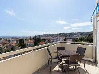 vue panoramique mer et montagne  grande terrasse