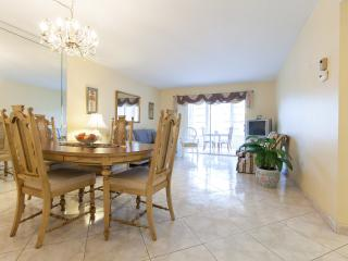 Florida Condo in Hawaiian Gardens 2 bedroom 2 bath, Fort Lauderdale