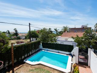 Spacious family home with spectacular beach views, Marbella