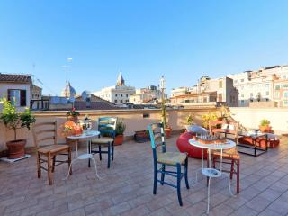 7 bedrooms/7 bathrooms, terrace, ideal for groups - In the True Heart of Rome