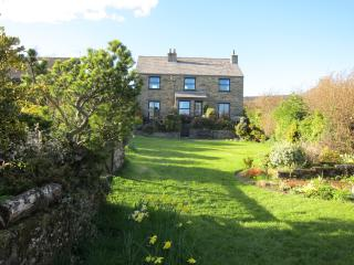 Cedarcroft Cottage on a  peaceful pet free site in Reeth. Huge garden, parking